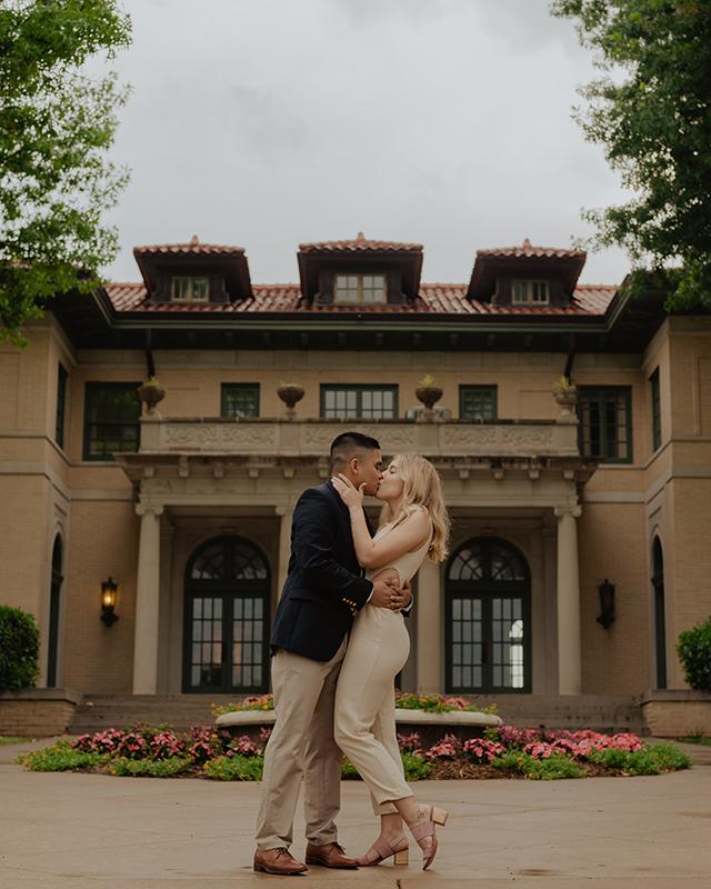 The-Mansion-at-Woodward-Park-Engagement-Session-Tulsa-Wedding-Photographer-Jordan-Taylor