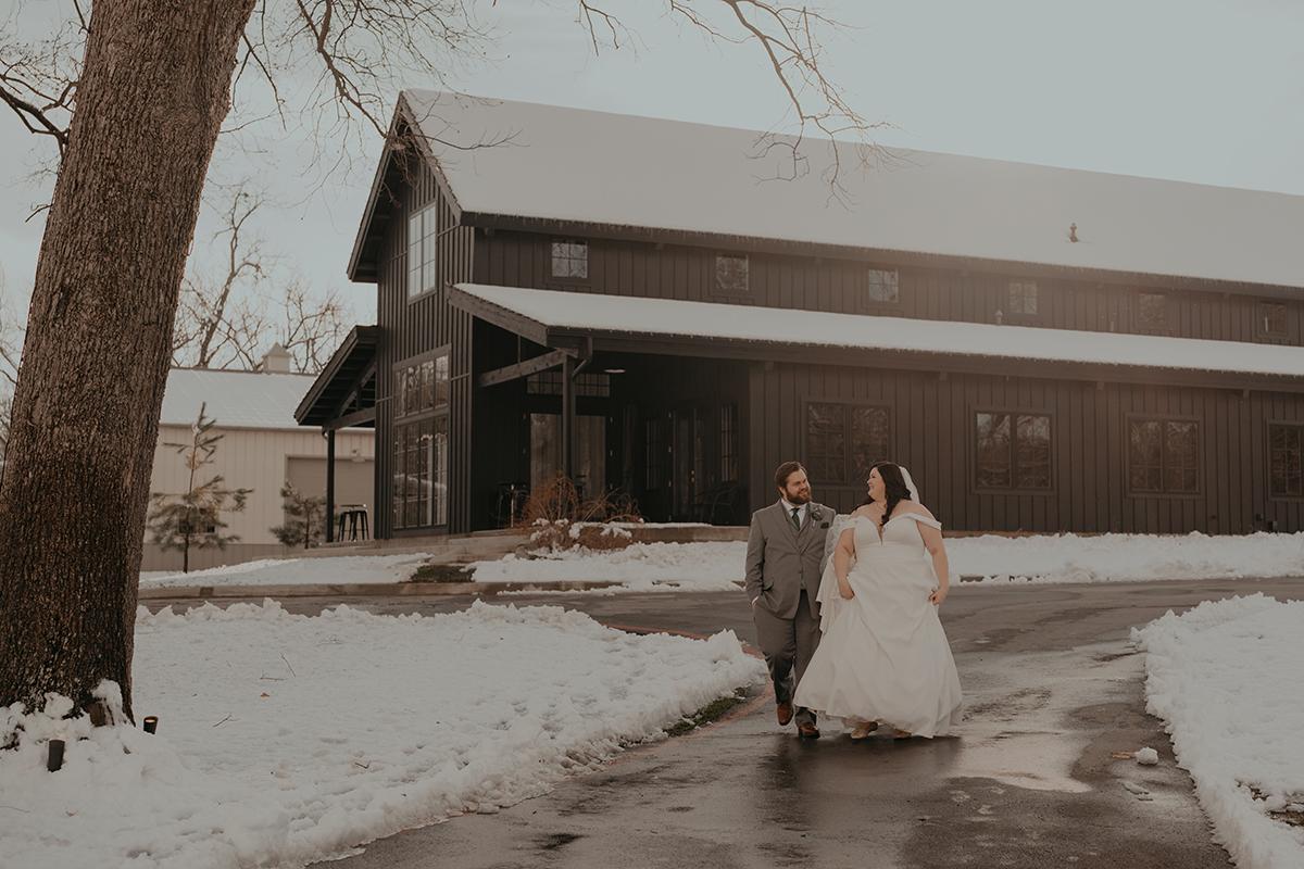 Spain-Ranch-Elopement-Snow-Winter-Tulsa-Wedding-Photographer-Jordan-Taylor